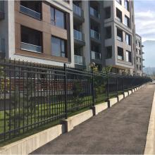 Оградна система XCEL три хоризонтални релси - Жилищен комплекс Winslow, София