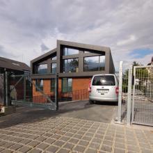 Оградни врати EGIDIA към периметрова ограда на затворен комплекс в София