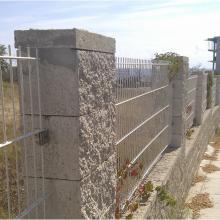Оградни пана Nylofor 2D монтирани към бетонови стълбове, Приморско