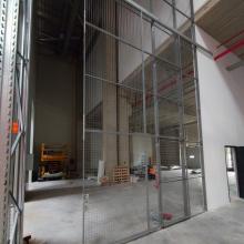 Разделяне на склад в София - система Warehouse Partitioning с плъзгаща врата