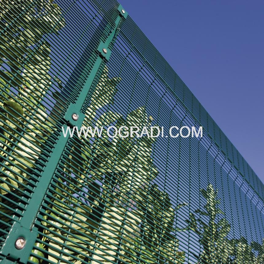 Оградни пана SECURIFOR 3D за ограждения с висока степен на сигурност